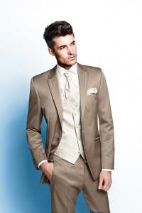 Esküvői öltönyt szeretne?